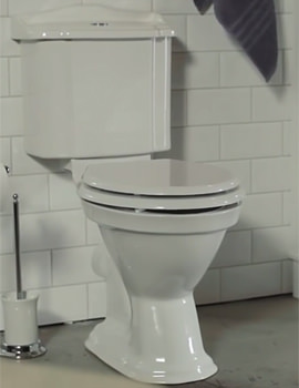 Close Coupled WC Pan With Cistern And Soft Close Seat 690mm